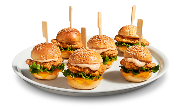 Mini chicken sliders