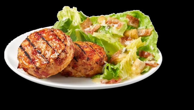 Médaillons de poulet au bacon et salade césar
